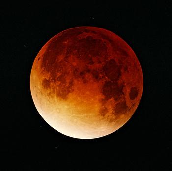 Lunar-eclipse-09-11-2003.jpeg
